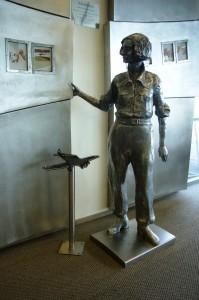 Rotorua - Jean Batten statue