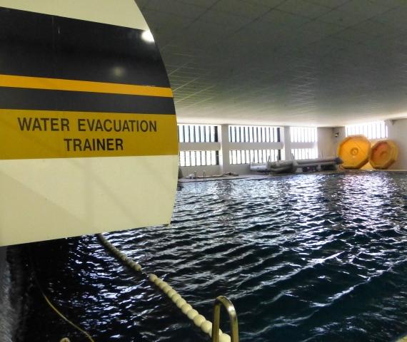Water Evacuation Training Pool _with waves