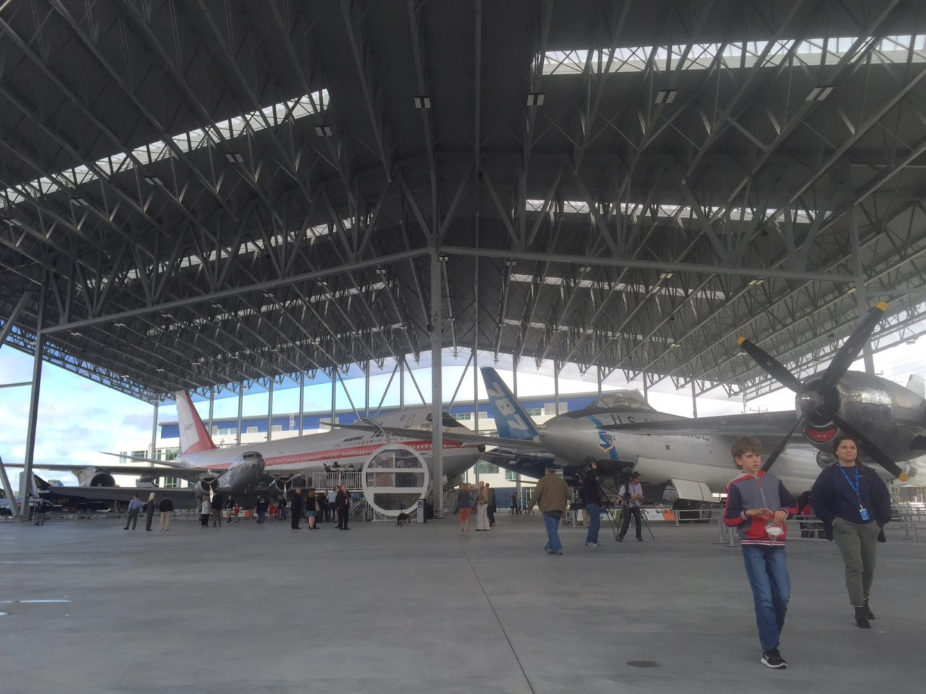 Giant new aviation pavilion at Seattle's Museum of Flight