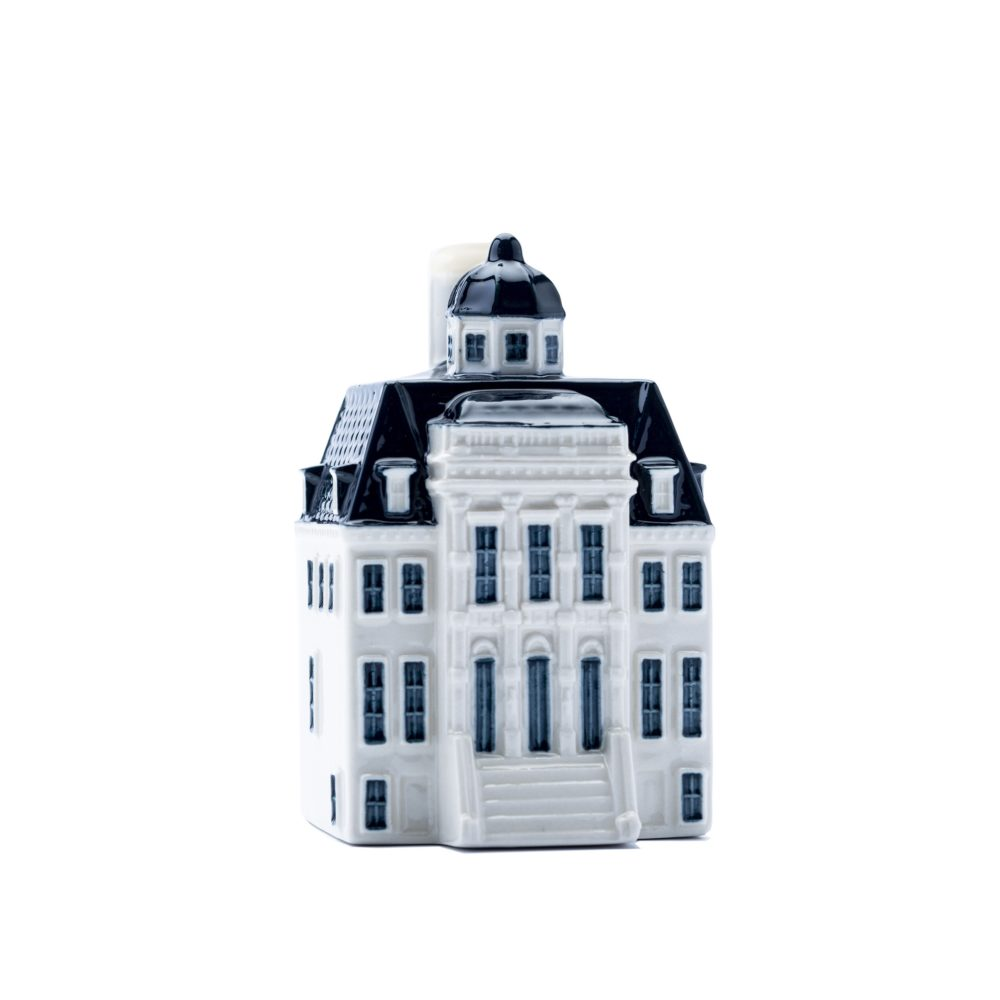 Miniature houses have big role in KLM history